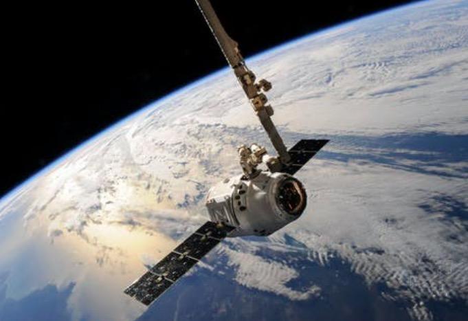 SpaceX与NASA独家合同引发引内人士质疑 蓝色起源称正在了解情况