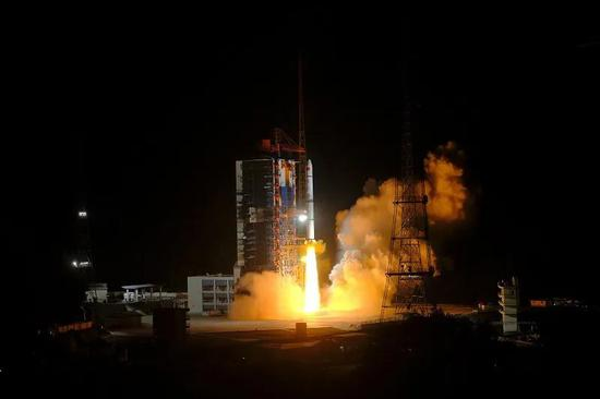 NASA朱诺号探测器将在距离木卫三表面645英里范围内飞行